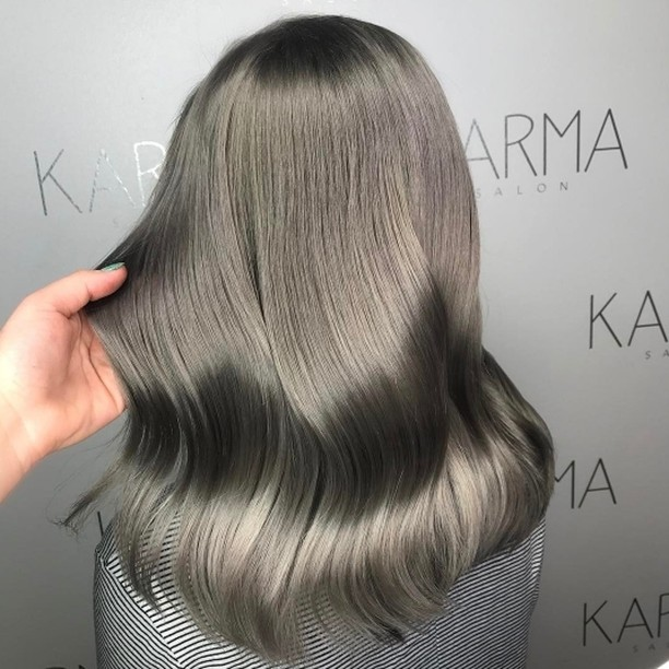 How amazing is this colour by childlikeempress ?! We arehellip