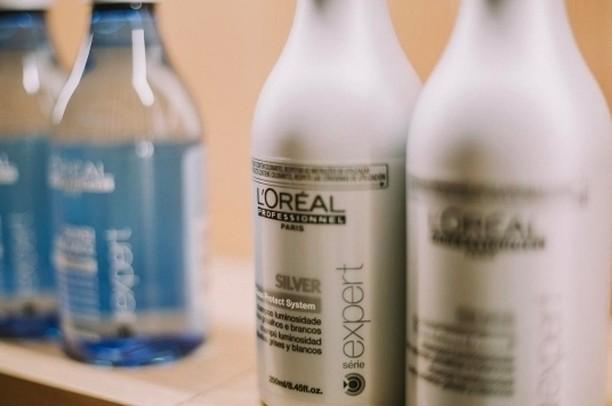 Achieve brightness strength and remove brassy tones with LOreal Professionelhellip