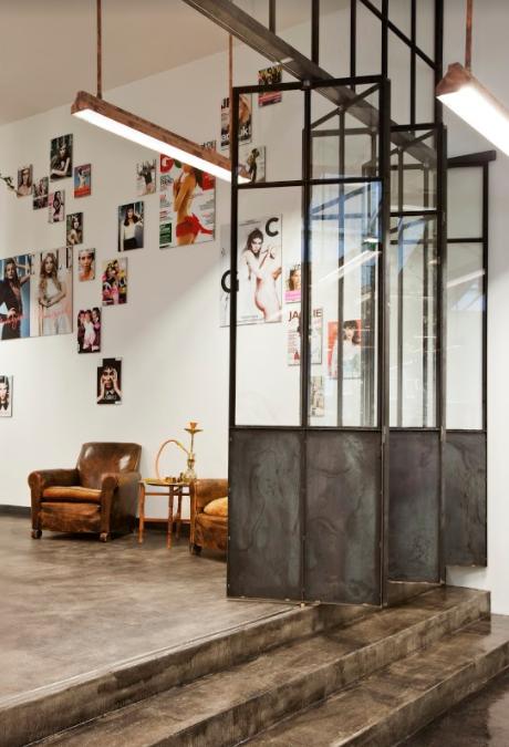Mogeen salon interior