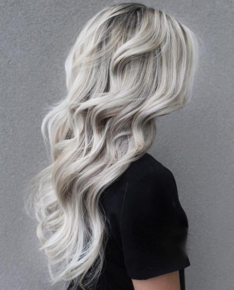 We love the texture in this beautiful beachy hair pameladoeshair