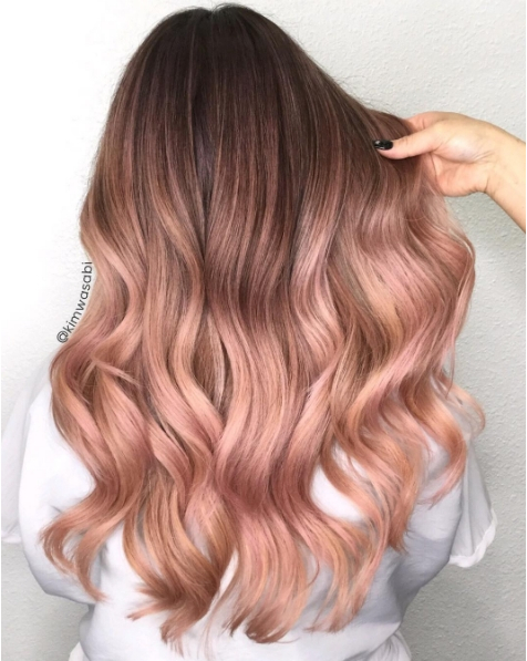 We are obsessed with this rooted rosey colour by kimwasabi