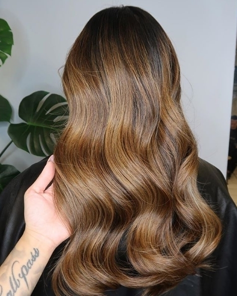 We love this beautiful glossy brunette by estherxclaire