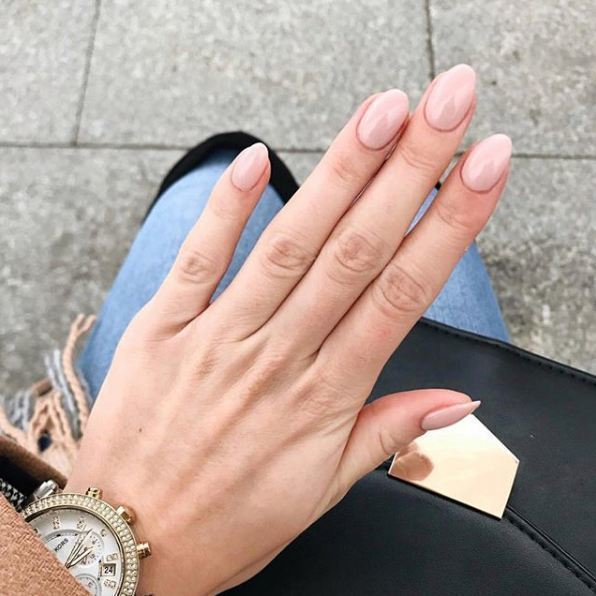 You cant beat a simple nude mani Beautiful set byhellip