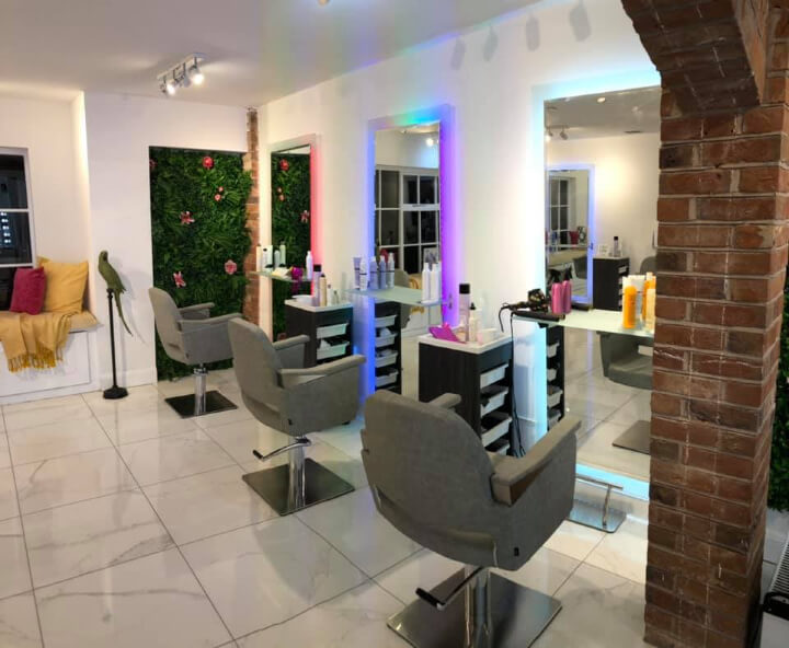 bronze and beautyful salon