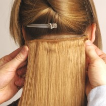 Universal 18in Clip in Human Hair Extensions 105g